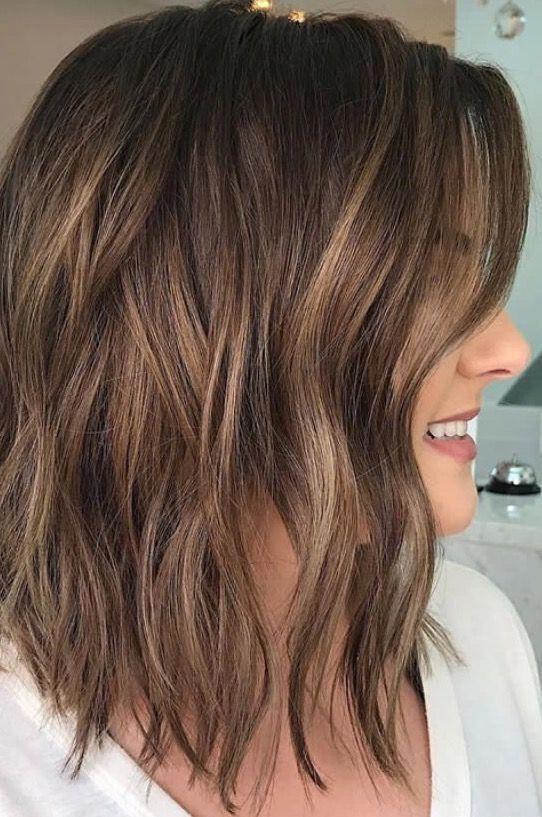 Brunette balayage ; wavy hair ; brown highlights ; long bob #brunettehair