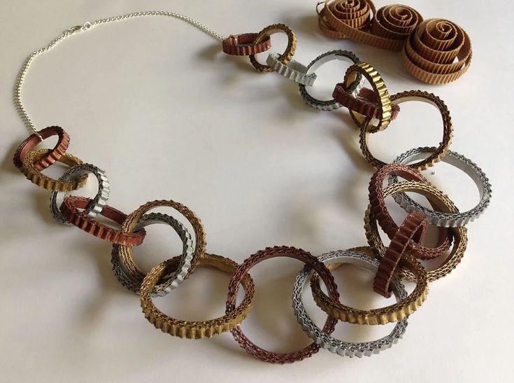 anelli di cartoncino ondulato
