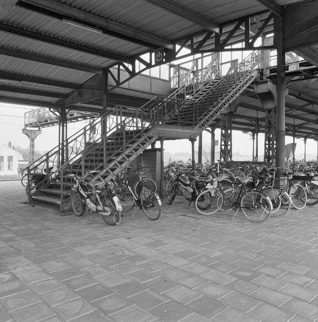 Station Geldermalsen (jaartal: 1970 tot 1980) - Foto's SERC
