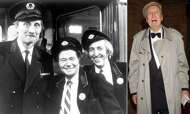 Actor Stephen Lewis who played Blakey in On the Buses dies at 88