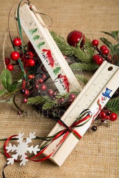 Χριστουγεννιάτικη μπομπονιέρα βάπτισης ξύλινη κασετίνα ζωγραφισμένη με χριστουγεννιάτικες παραστάσεις