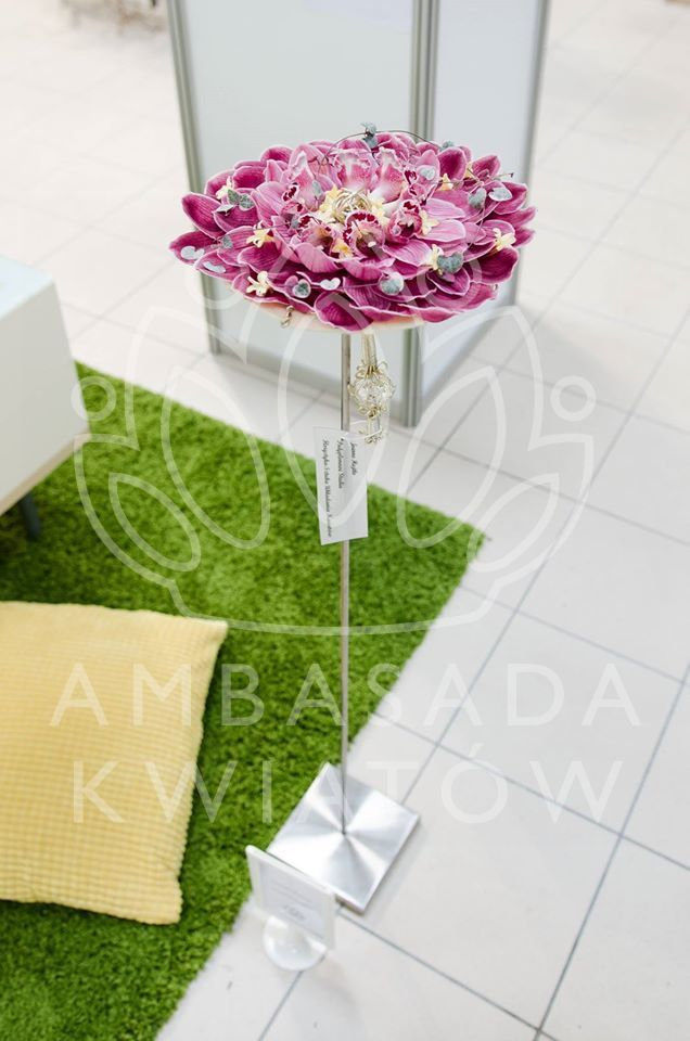 Bukiet ślubny typu glamelia - różowa orchidea