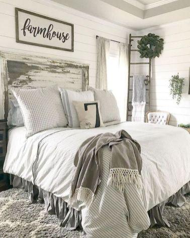 36 Farmhouse Master Bedroom Decorating Ideas