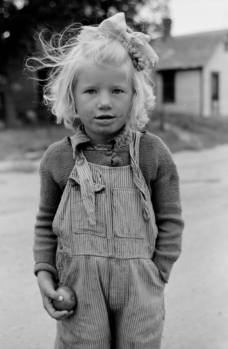 17 best ideas about great depression depression era the whole look from the messy hair and dirty hair to the worn overalls could