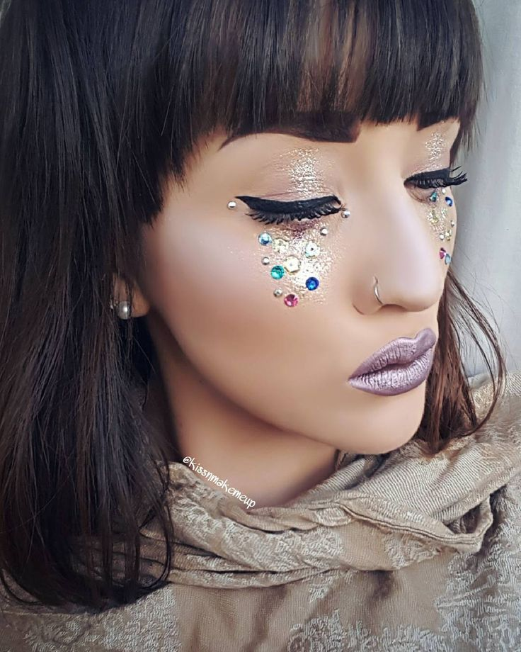 "52 Likes, 9 Comments - Kissnmakemeup (@kissnmakemeup) on Instagram: ""💎Sparkle💎 ❤Face: @mehronmakeup Fixative and Barrier Spray; @collectionlove Lasting Perfection…"""