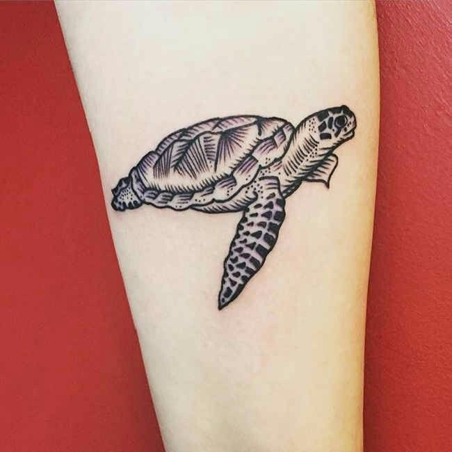 Fuente http://tattootodesign.com/being-charmed-with-90-perfect-turtle-tattoos/