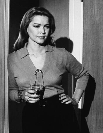 Can you believe?  Ellen Burstyn.