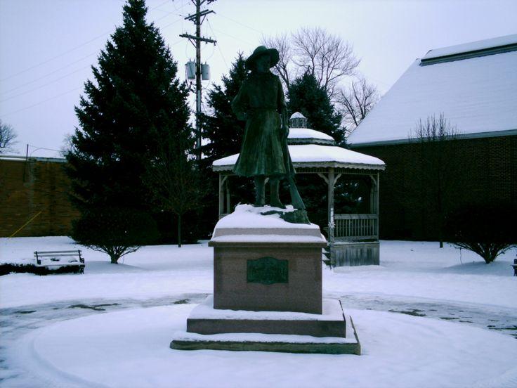 Greenville Oh Darke County An Annie Oakley Statue In