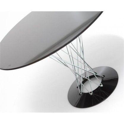 Stylowy stół Cyclone inspirowany projektem Isamu Noguchi. Blat oraz podstawa wykonana z lakierowanego tworzywa sztucznego, a łączenie z chromowanej stali. Stół bardzo praktyczny oraz stylowy, doskonale komponuje się z nowoczesnymi pomieszczeniami. Do stołu polecamy krzesła insp. projektem DSR oraz DAR.