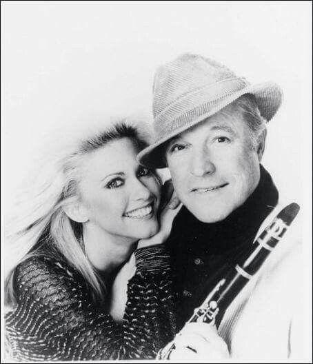 ~ Olivia &  Gene Kelly ~