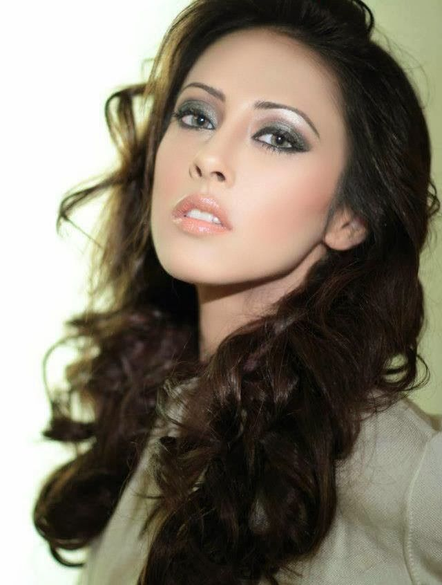 Galaxy Picture | Download High Quality Wallpapers of Bollywood and Hollywood Celebrity Pictures and Pakistani Actress with Movies Images Free Online.