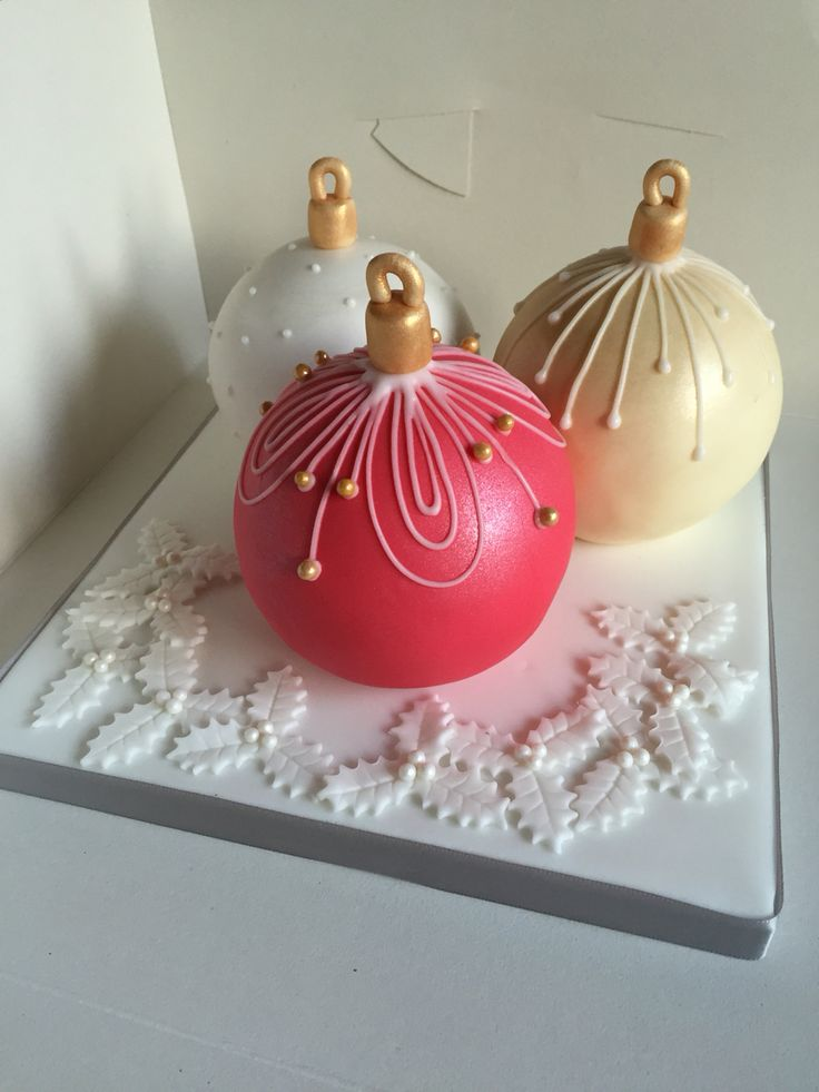 Christmas Bauble Cake Images : 17 Best images about Brown Eyed Girl Bakery Cakes on ...