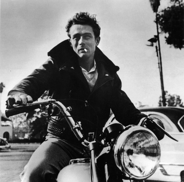 james dean motorcycle photo with his 1955 Triumph Trophy