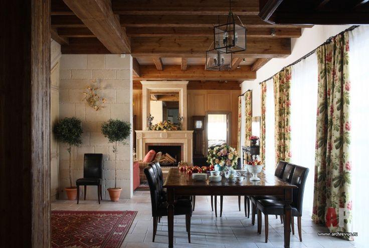 Фото интерьера столовой дома в стиле кантри