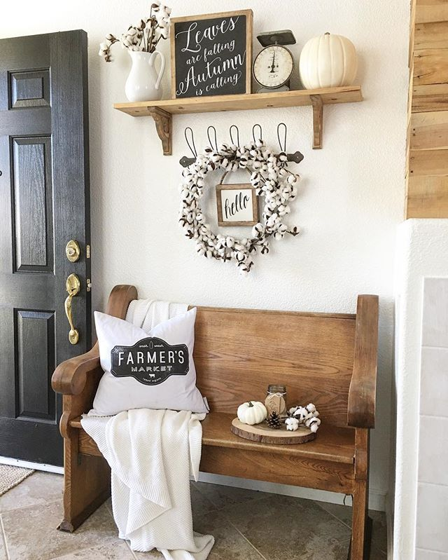 Farmhouse Entryway @nellyfriedel