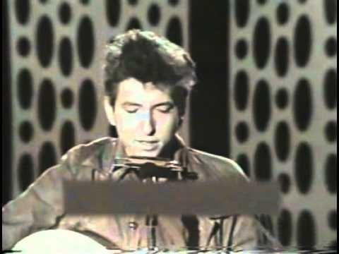 Bob Dylan - The Lonesome Death Of Hattie Carroll lyrics (Live 1964)