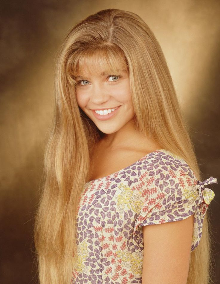 my tweenage idol Topanga...that hair!