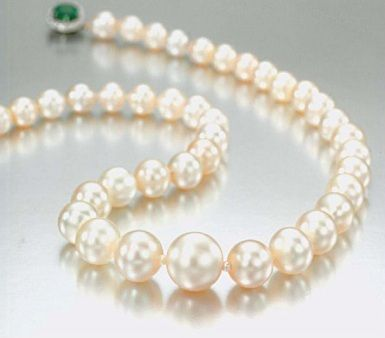 Cleo favorite in the wedding dress wore pearls the for Wedding dresses with pearls and diamonds