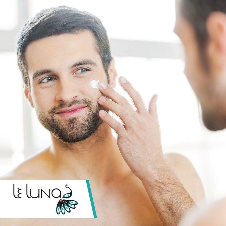Selvom man ofte tænker på kvinder når man tænker på hudpleje, er dette ikke længere altid tilfældet. Inden for de seneste år er flere og flere mænd blevet opmærksomme på nødvendigheden for at passe godt på sin hud.   Derfor har vi naturligvis et stort udvalg af produkter som ikke kune henvender sig til kvinder, men som også sagtens kan bruges af mænd.  Se vores store udvalg på http://www.leluna.dk/