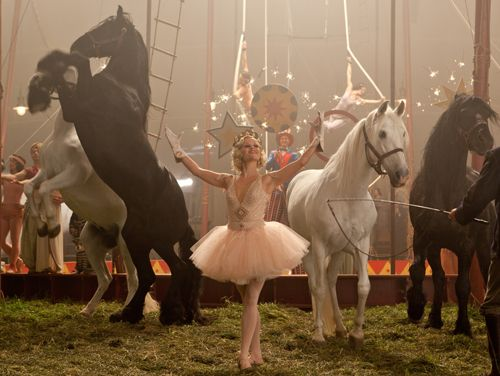 Google Image Result for http://www.realstylenetwork.com/blogs/fashion-and-style/files/2011/11/Water-For-Elephants-costume-designer-Jacqyeline-West-interview-reese-Witherspoon.jpg