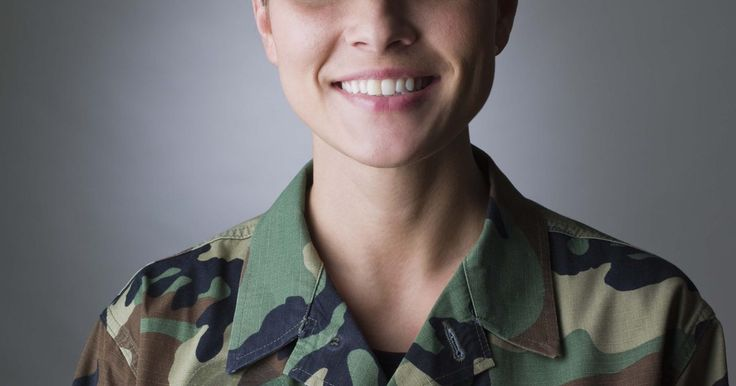 Lista de empleos para mujeres en las Fuerzas Armadas. Existe un amplio rango de trabajos disponibles para las mujeres en las Fuerzas Armadas. Para junio de 2009, las mujeres constituían más del 13% de la armada activa, el 15% de la naval, el 16% de las fuerzas aéreas y el 4% de la marina. Desde la línea frontal en el campo de batalla hasta los papeles diplomáticos y de apoyo, las mujeres son ...