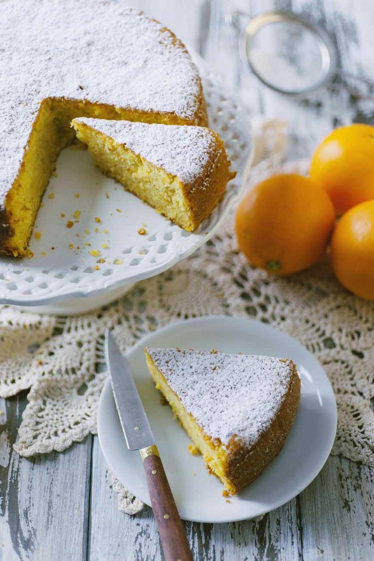 Il pan d'arancia è una torta leggera e agrumata che si prepara senza fatica e senza sprechi! Sentirai che bontà, da gustare a colazione o per merenda!