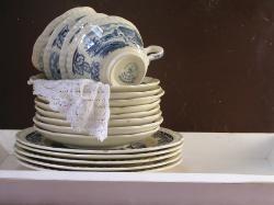 Brocante Servies & Co - Maastrichts aardewerk | De Soetelaer