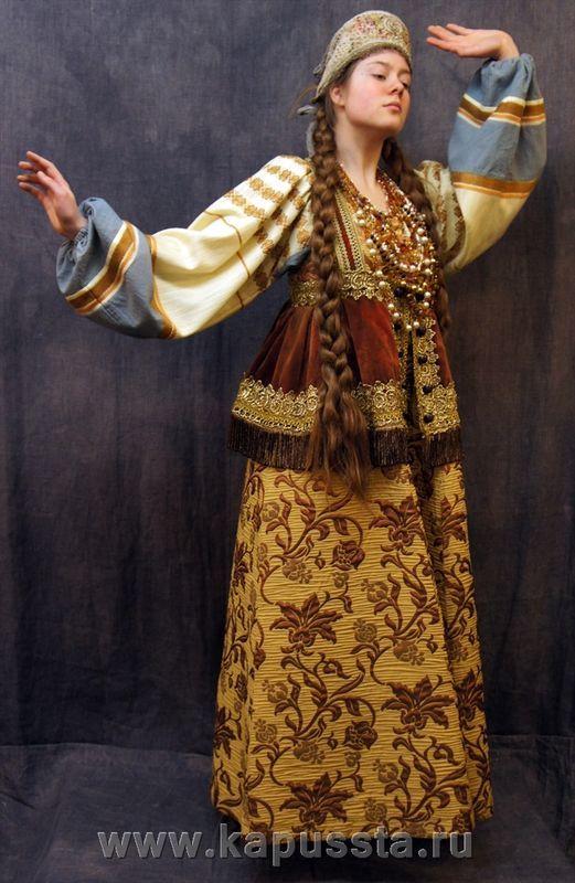 Recreation late 17th C maiden: blouse, sarafan, dushgreya, tie-back maiden kokoshnik