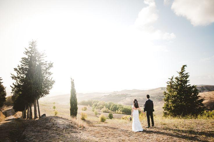 #elopement #elopementpicture #elopementphotographer #italyweddingphotographer #italywedding #tuscany #tuscanyhills #tuscanybride