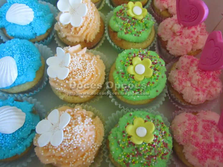 Doces Opções: Cake Pops e Cupcakes