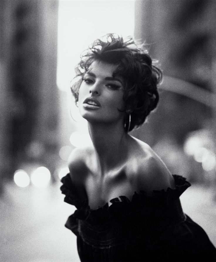 LInda Evangelista by Steven Meisel for Vogue Italia (1990)