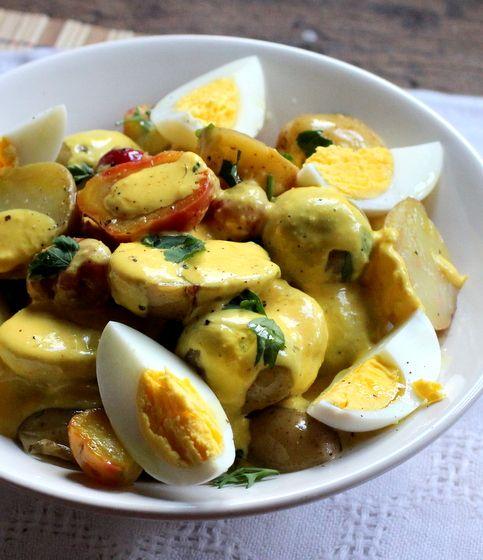 Vintage Kitchen Notes: Vintage Mondays: Peruvian Potato Salad