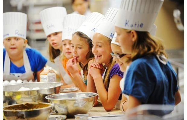 Great pictures in the Edmonton Journal of kids at #NAIT's mini bakers summer camp. #YEG
