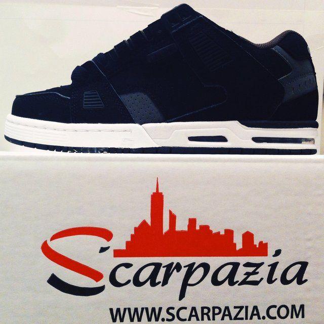 By @scarpazia http://www.scarpazia.com Scarpe Globe Sabre Black Grey Choco