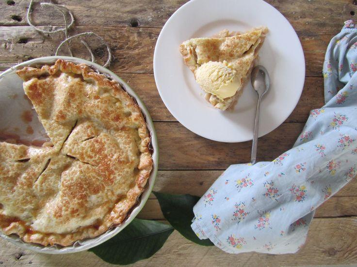Oggi prepariamo insieme l'Apple Pie!!! La più famosa torta americana,quella che tutti abbiamo visto mille volti nei film o disegnata nei fumetti