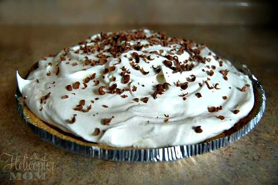 Super Easy Chocolate Mousse Pie - Holiday Bake Off - A Helicopter Mom  (Just made this.... I hope it's good - Martha)