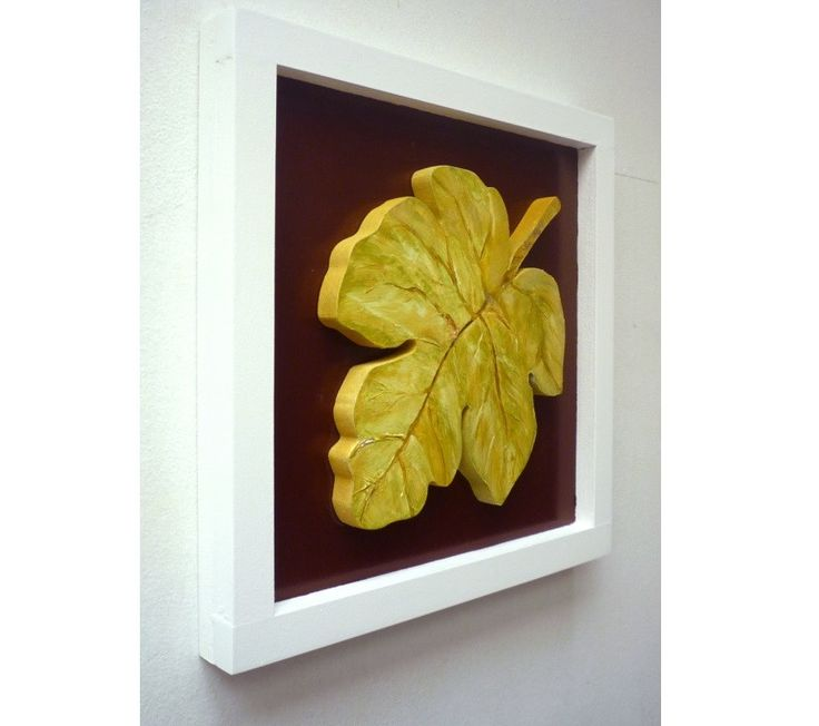 Folhas II - 6 peças    - Conjunto de 6 quadros decorativos para embelezar as paredes de sua sala ou escritório.    - Com desenhos criativos de folhas esculpidas no mdf em relevo, folhas nas cores mescladas com verde e tom madeira, fundo em marrom e azul, pintura acrílica e esmalte.    - Medidas d...