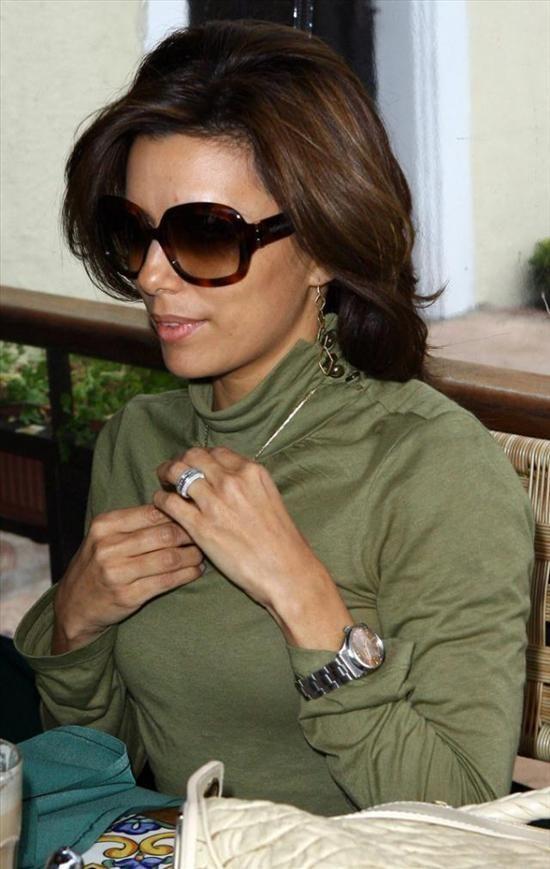 Eva Longoria wearing a Rolex datejust watch  Celebrity