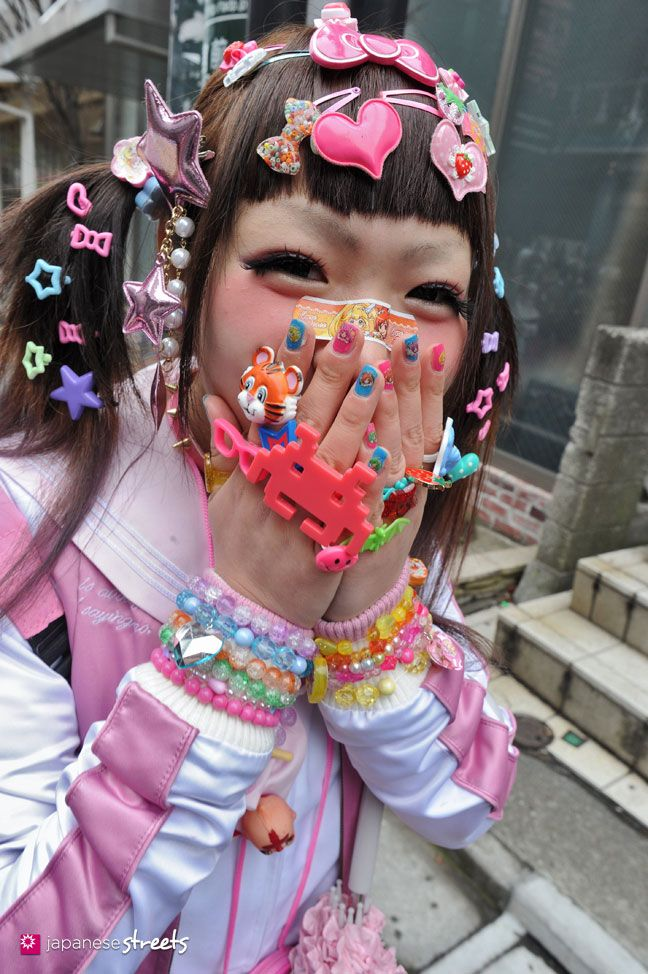 Beat off harajuku girls pictures
