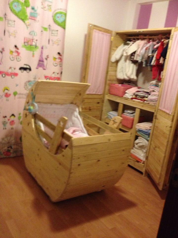 Cuna armario y cambiador para beb cosas m as hechas con palets pinterest - Armarios para bebe ...