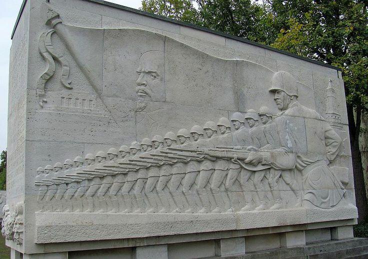 Berlin: Sowjetisches Ehrendenkmal Treptow