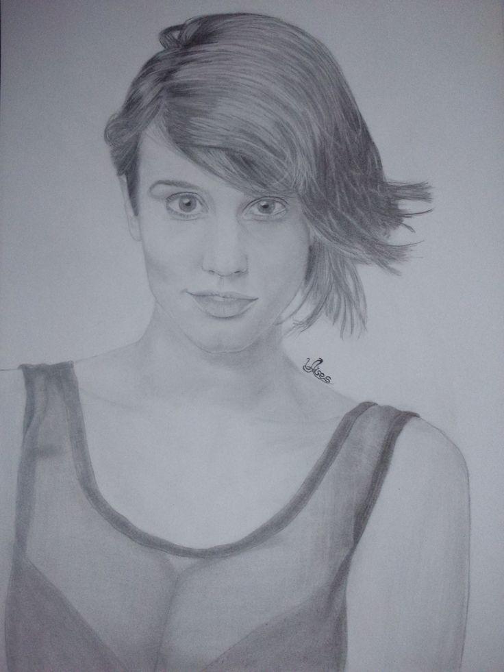 Dibujo a lapiz Megan Montaner