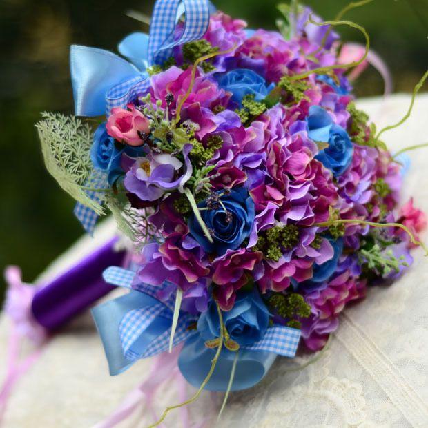 Fleurs Mariage-le bouquet de la mariee avec des fleurs bleu violet hortensia rose bouquet