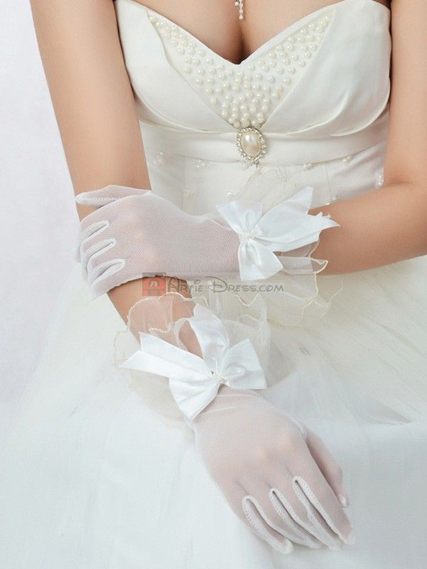 17 best images about wedding gloves on pinterest red for Wedding dresses with gloves