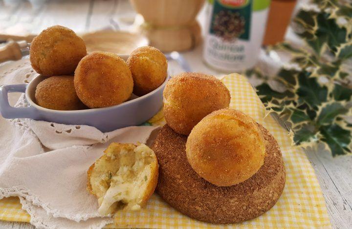 Crocchette patate e quinoa al profumo di olive filanti e gustose