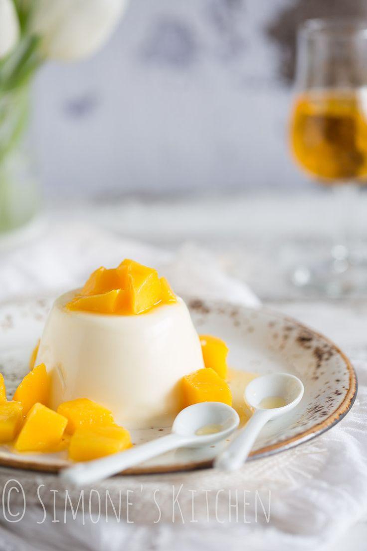 Pannacotta met mango en licor43 http://simoneskitchen.nl/pannacotta-met-mango-en-licor43/