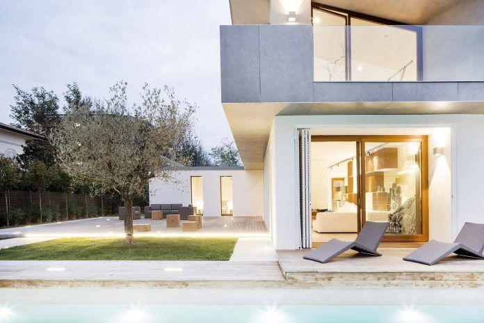 Contemporary summer villa in Forte dei Marmi by Fabbricanove Architetti - CAANdesign | Architecture and home design blog
