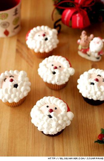 크리스마스 산타 컵케익