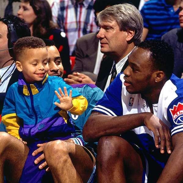 """VINE: Un pequeño Stephen Curry jugando con """"Muggsy"""" Bogues"""