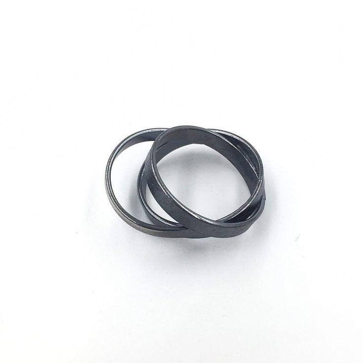 Un preferito personale dal mio negozio Etsy https://www.etsy.com/it/listing/503297236/trayah-burnished-ring